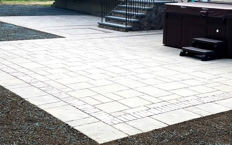 Hawkes Hardscape and Landscape Design paver patio